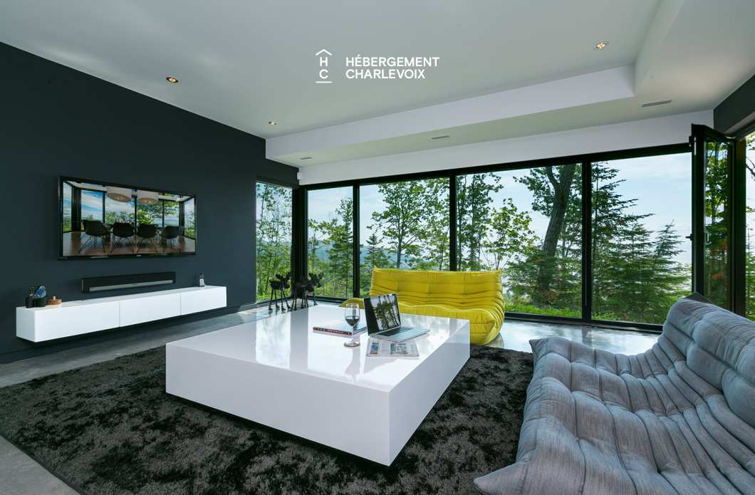 SEC-254 - Contemporary house for an escapade with friends or family