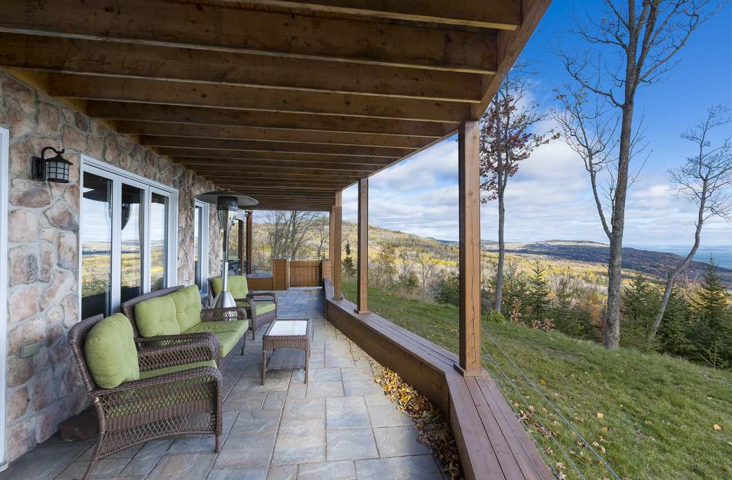 CIE-550 - Chalet in the mountains with a view of the river